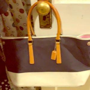 White $ black Coach tote bag w:/ pink interior